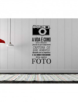 Vinil Decorativo 'A vida é como uma câmera'
