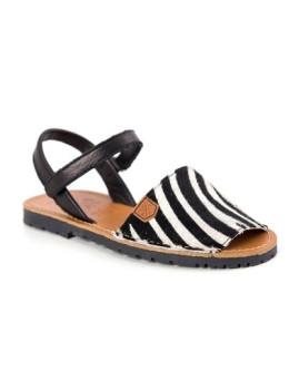 Sandálias Pretas e Padrão Zebra MenorQuinas Popa