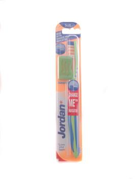Escova de dentes Jordan Advanced Soft